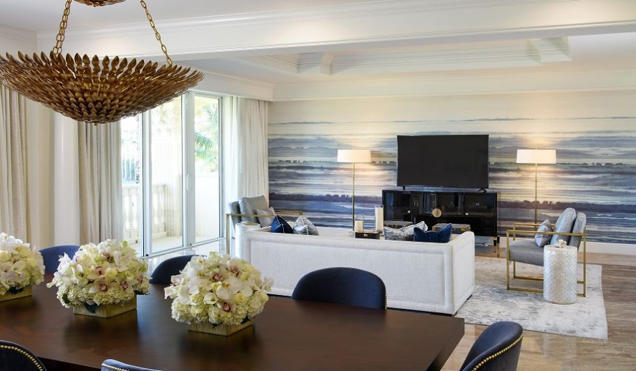 Living & Dining Space Presidential Suite