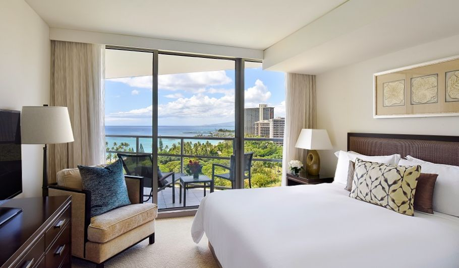 Waikiki Guest Room with Balcony Overlooking the Ocean