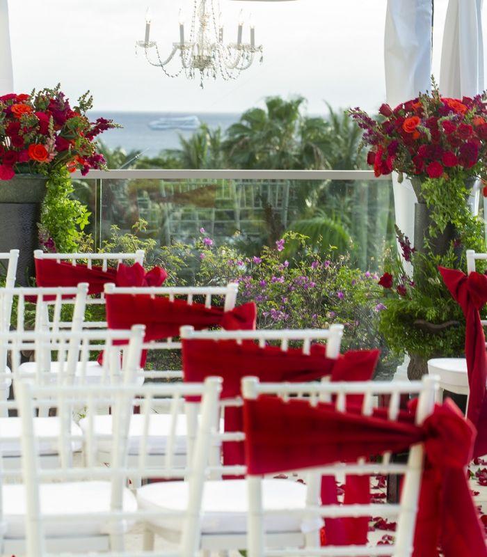 Waikiki Beach Wedding Ceremony: Trump Waikiki - Honolulu Weddings