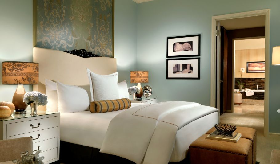 Mint Hotel Suite with Luxury Bedding