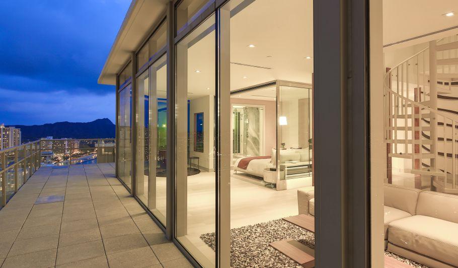 Luxury Hotel Suite Private Balcony