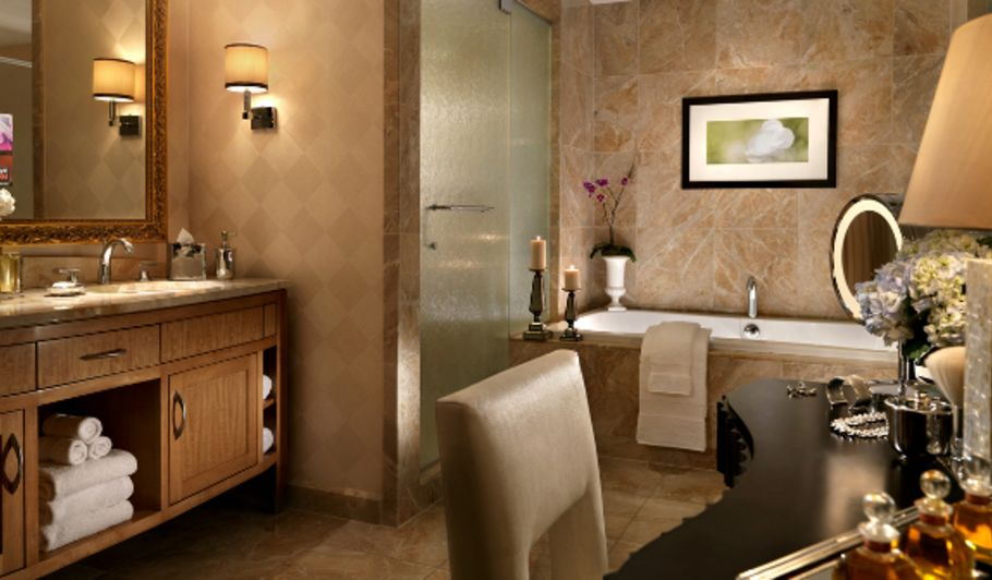 Hotel Bathroom with Shower, Tub and Vanity