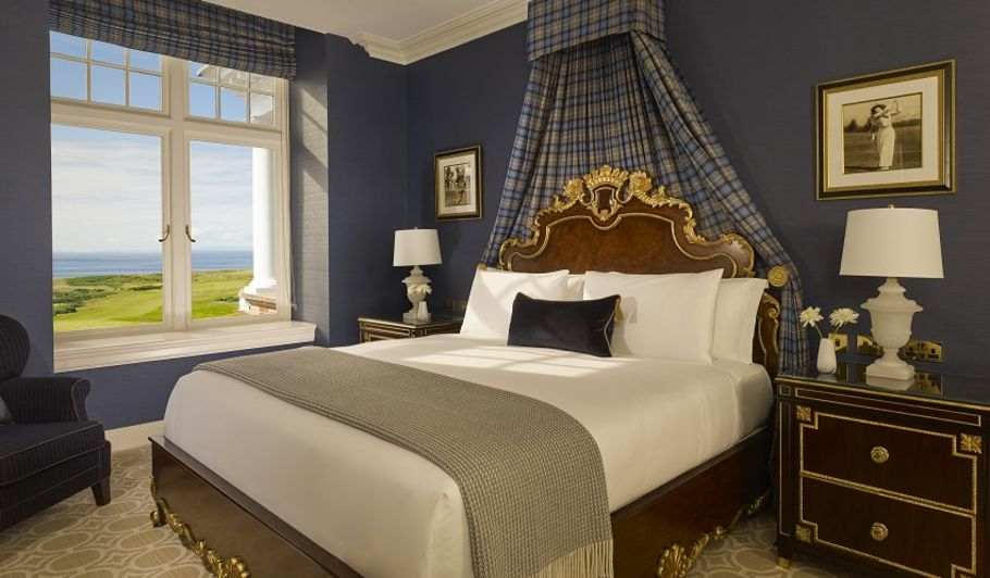 Luxury King Bed Suite with Ocean View