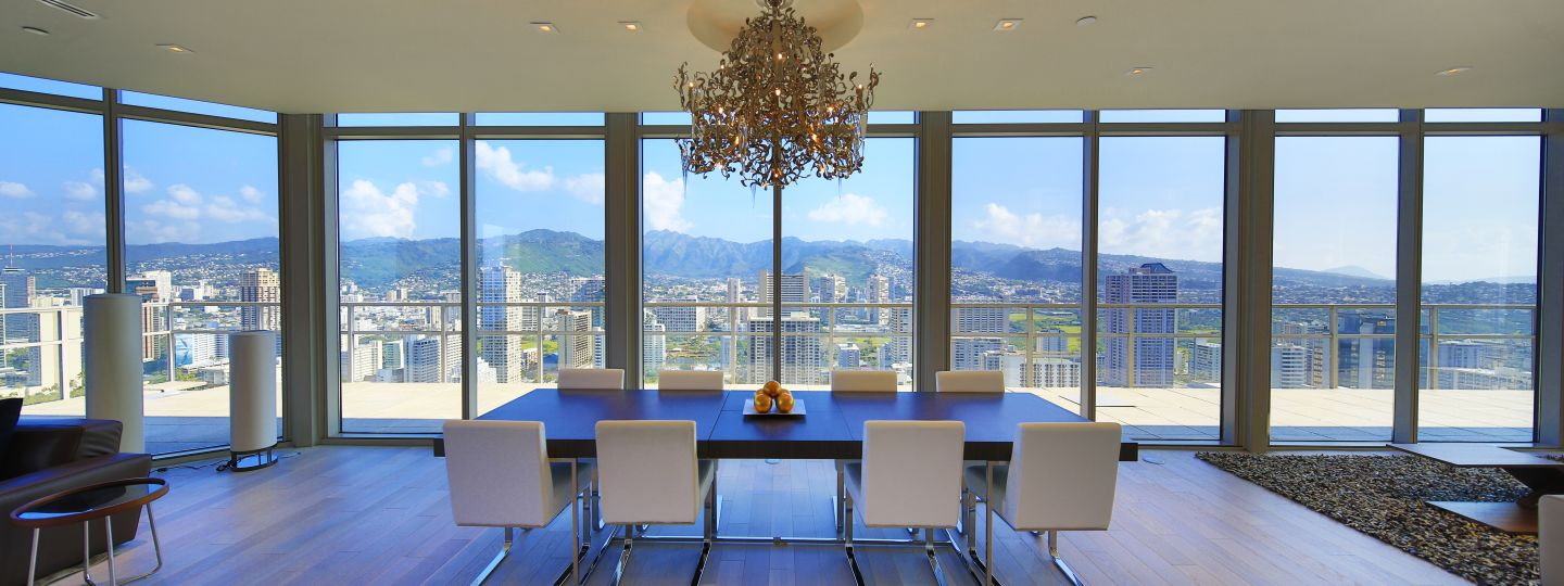 Luxury Dining Table with Views of Waikiki