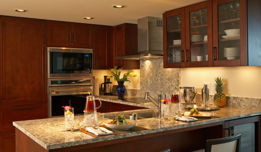 Waikiki Accommodation with Kitchen | Trump Waikiki - Suites