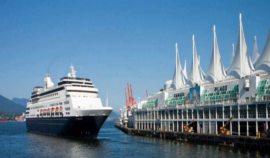 cruise ship heading towards pier