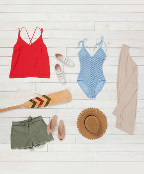 How to Pack for a Lake House Weekend