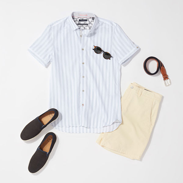 Short-sleeve button-down look for men
