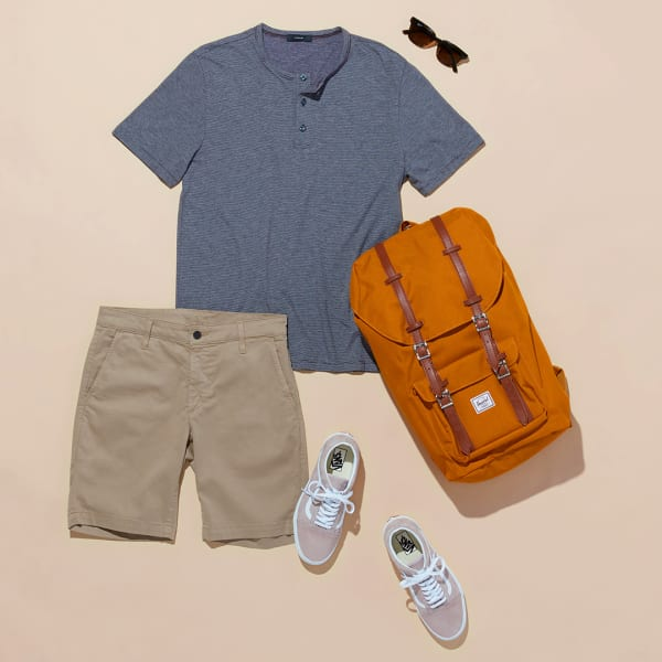 Men's T-shirt and shorts outfit