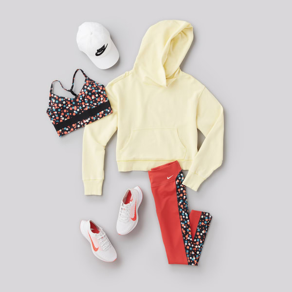 Nike womens athleisure outfit