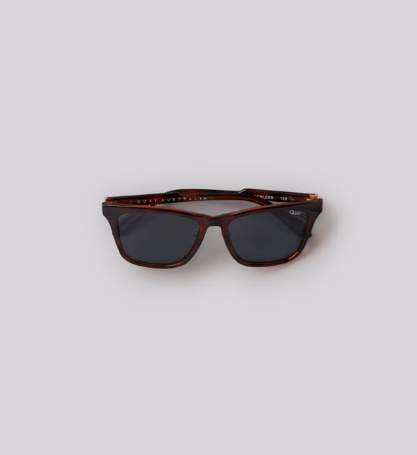 Sustainable-capsule-wardrobe Mens Square-sunglasses
