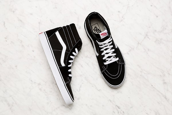 Black Vans shoes for men