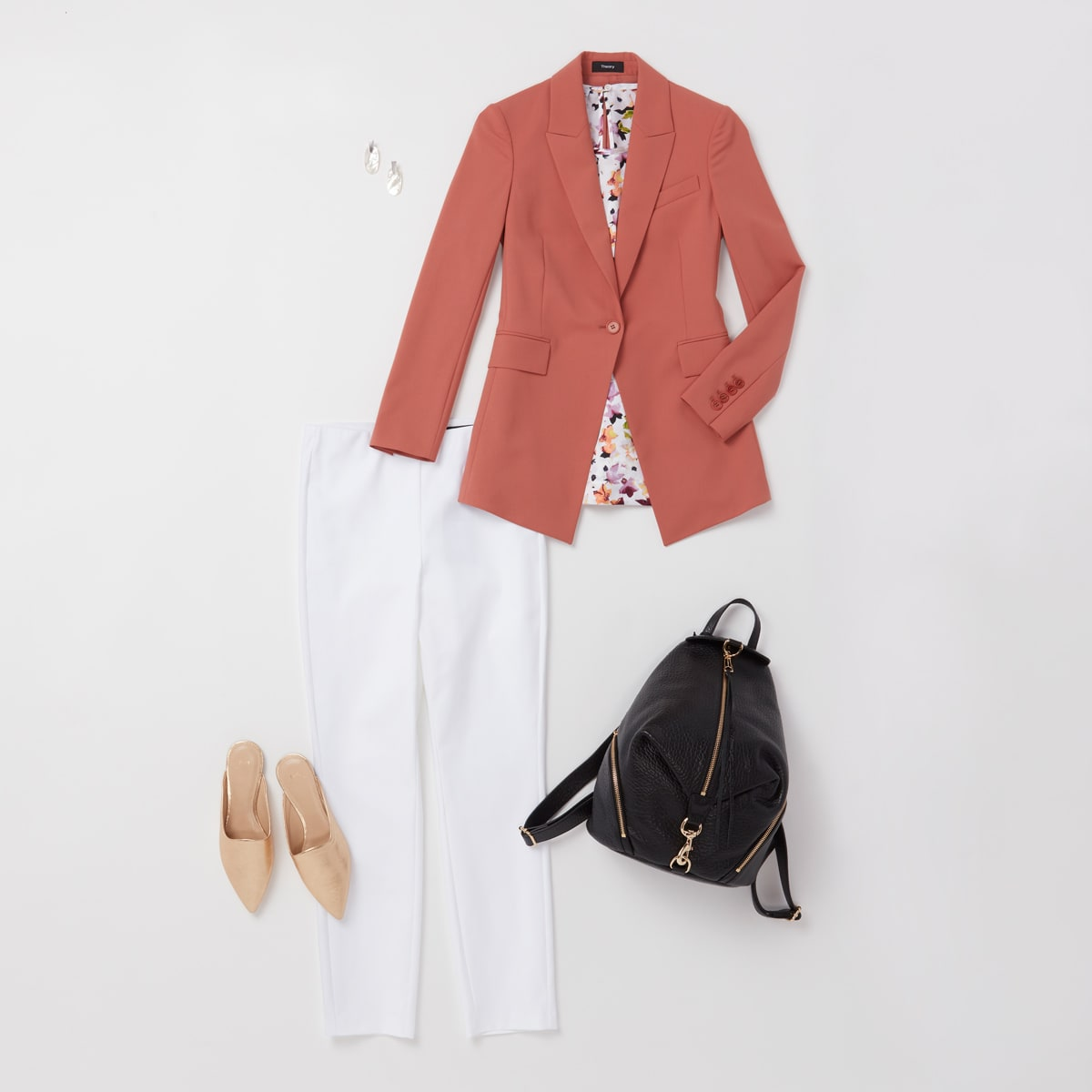 Statement making business casual outfit for women