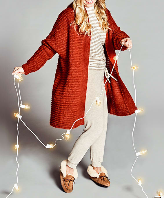 Home Sweet Home: Comfy Holiday Looks