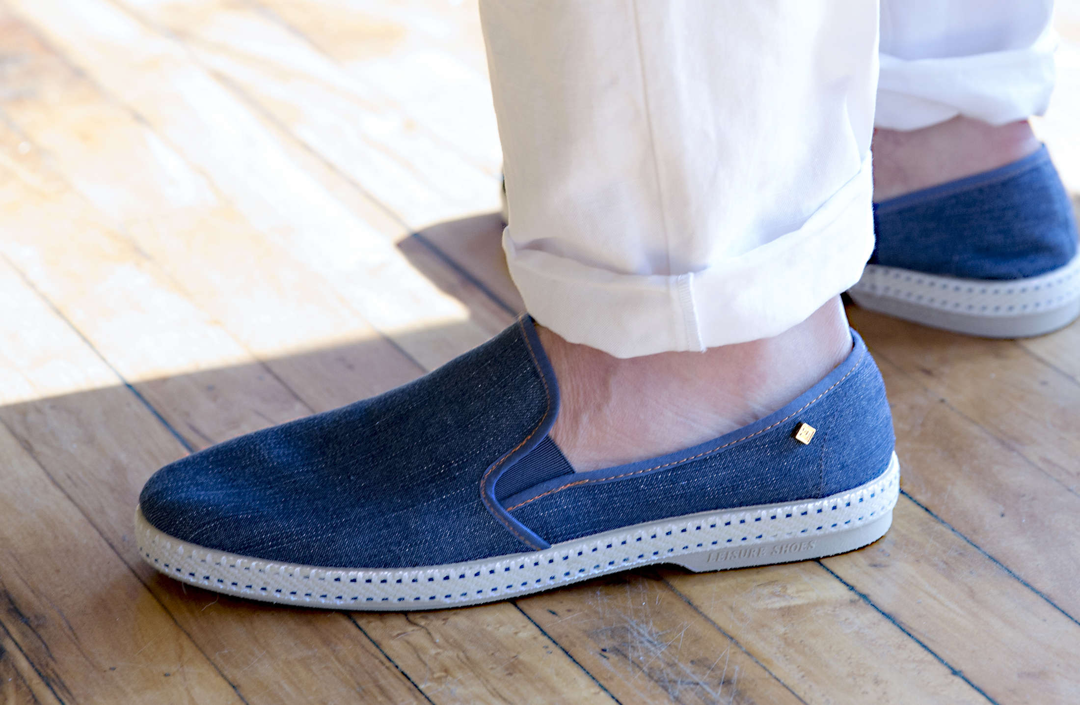 What Kind of Shoes To Wear With Linen Pants