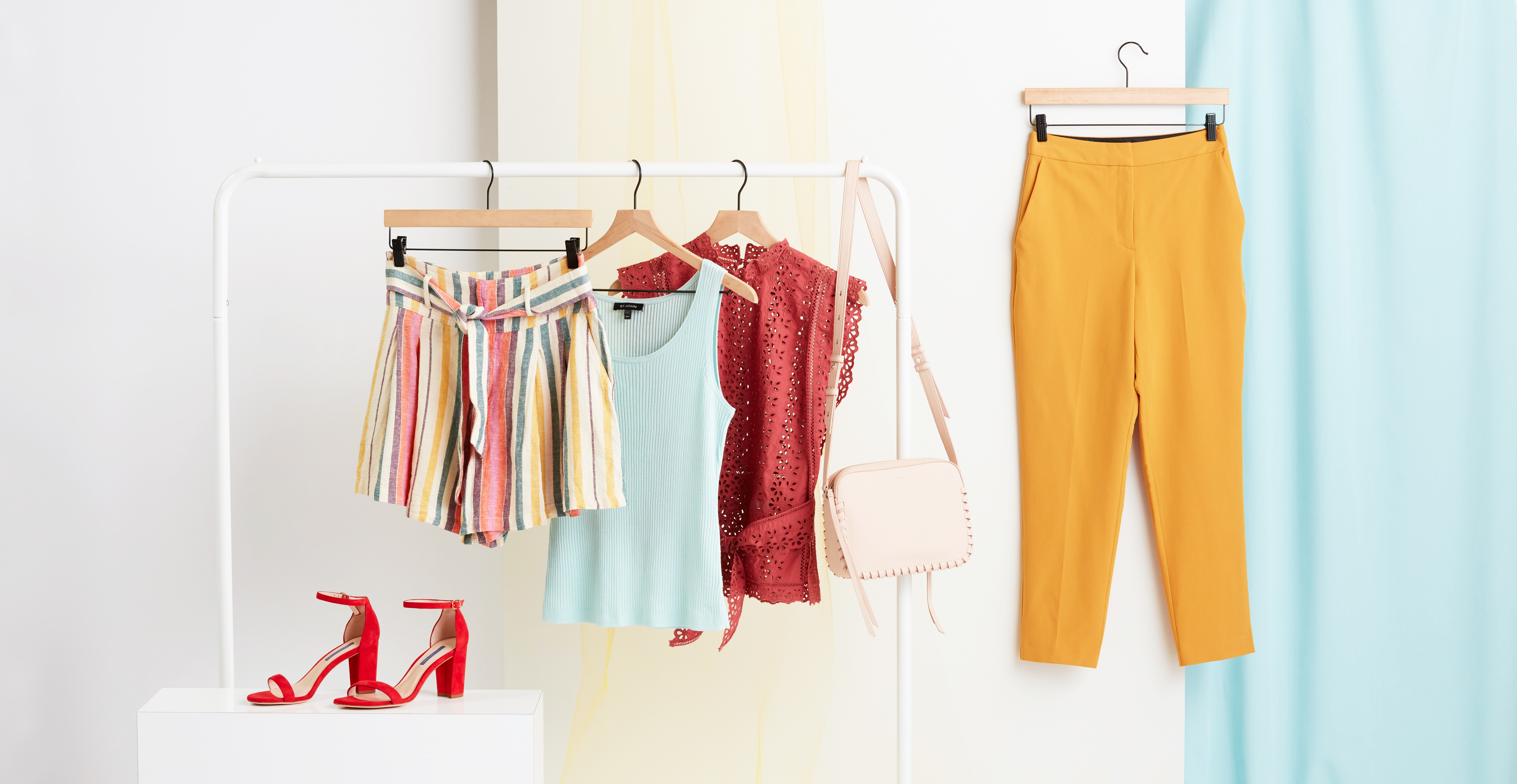 5 Summer Essentials for Every Woman's Wardrobe