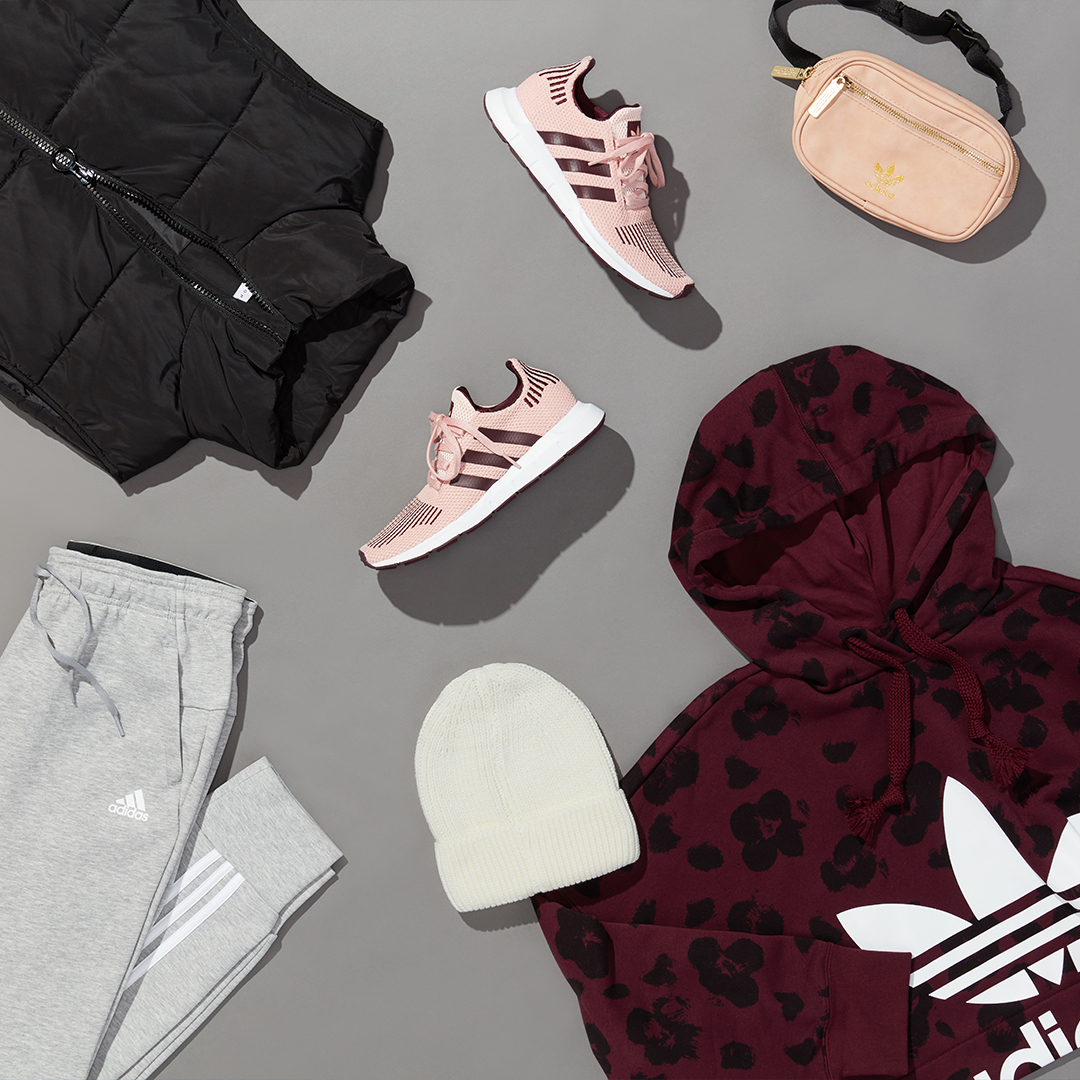 Women's winter athleisure outfit