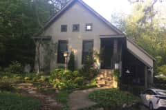 House sit in Louisville, KY, US