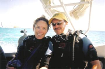 Shannon and Kendall scuba diving in Mexico
