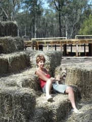 Jan with Tessa building a straw bale house