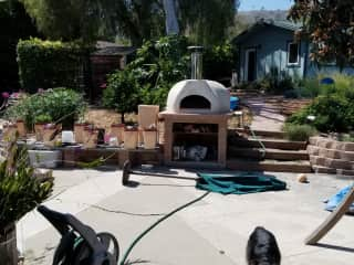 Pizza oven and hydroponic system