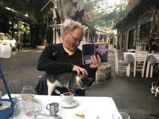 Cats love Sten.