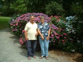 We enjoy visiting gardens.