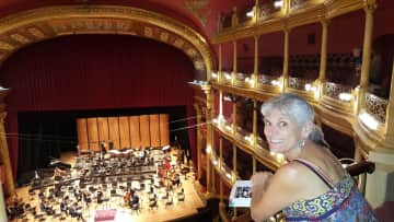 Kim at symphone concert, Guadalajara, MX