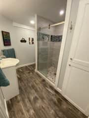 2 of 2 bathrooms
