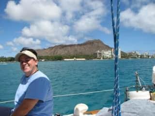 Sailing around Diamond Head