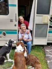 Christina and Carl, saying good bye to our 3 loved Border Collies before departing in an adventure.