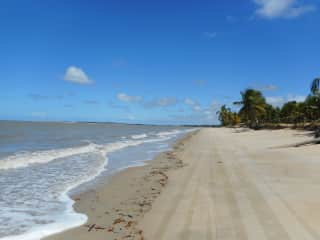5 minute walk to the beach