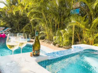 Jacuzzi and Pool with Prosecco