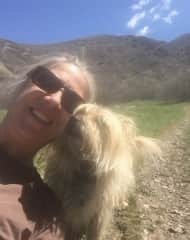 A kiss from Ludo on our walk in Utah