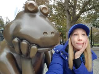 I can't resist a good selfie with a statue.