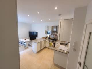 Full kitchen w all appliances