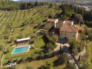 Tuscany: managing Property and Airbnb