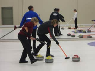 Winter time passion > Curling