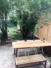 Backyard : patio area
