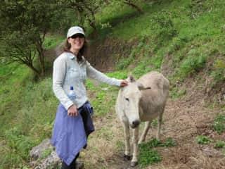 Jenna and her new Ecuadorian friend