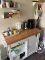 Tea/coffee/small appliance station