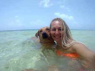AUGUST/ SEPTEMBRE 202I .           I´M IN MAHAHUAL/ COSTA MAYA WITH MY FRIEND COCO, FOR THE SECOND TIME I TAKE CARE OF JOHN'S HOUSE AND MEECHE OF USA.                                       Thanks for taking me into account my friends!!!