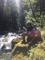 Warm sun shinning, fresh river water and hiking time makes us happy.
