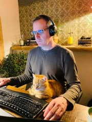 Loulou controlling Jeff's work