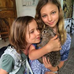 Younger Amelia and Lex with Nickie the Bunny