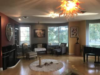 Beautiful Prospect 2 bed/2 bath Condo with bike and piano for your use!