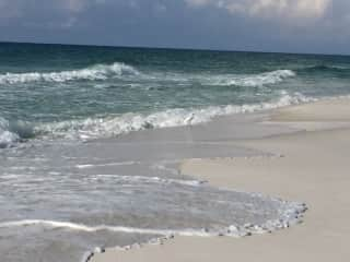 Gulf of Mexico and white sand beaches are a 30 minute drive.