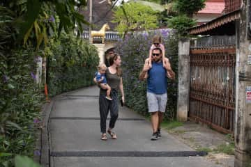 We absolutely loved exploring all the alleys in Chiang Mai, Thailand!
