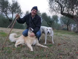 Michel in Italy with Lady and Vinnie in beautiful Umbria.