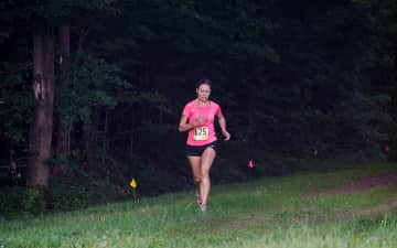 Rachel running a 5k while Andy snapped killer pics